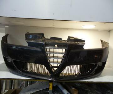Paragolpes delantero de Alfa romeo 147 AR37203 | Desguaces Velazquez